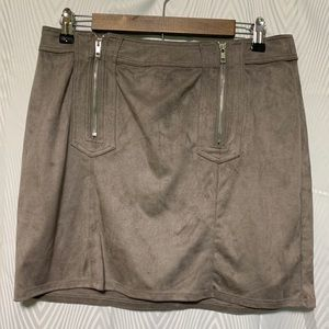 Kendall & Kylie faux suede skirt size Large